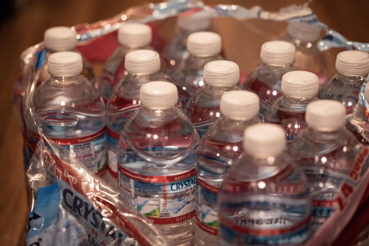 避難所へもっていける飲料水の画像
